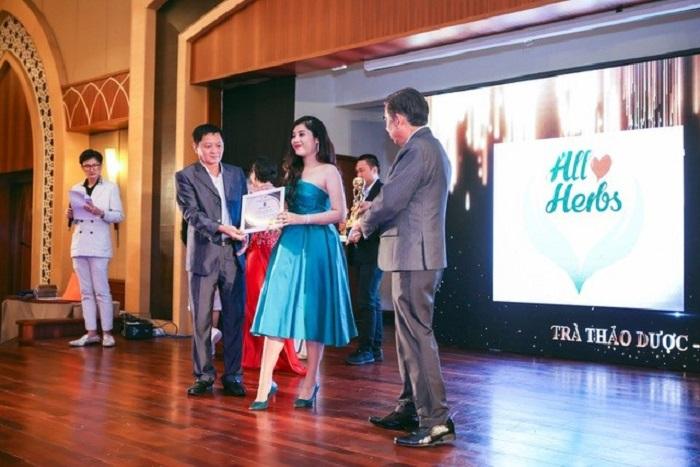giải thưởng 2018