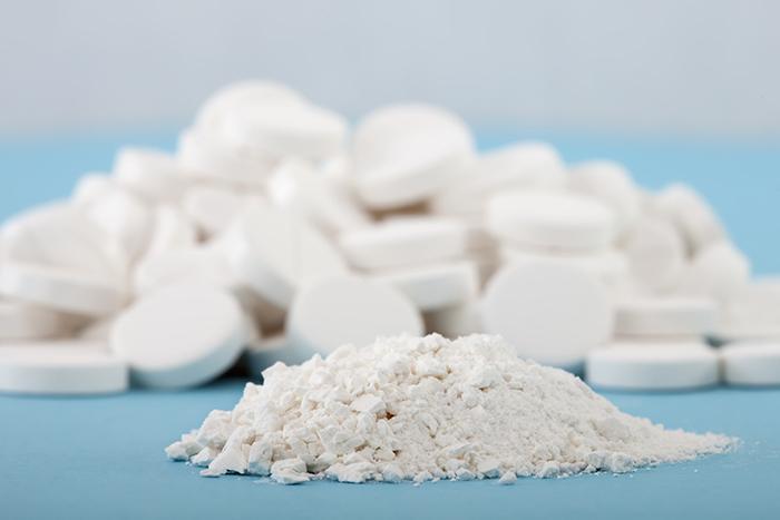 aspirin trị thâm mụn