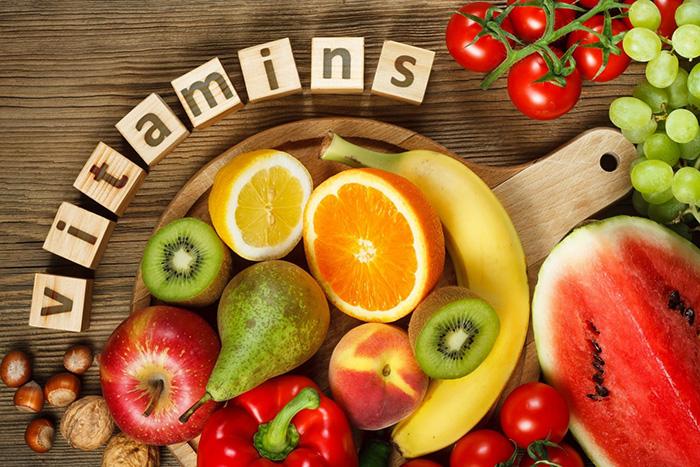Bổ sung vitamin và khoáng chất thiết yếu làm trắng da.
