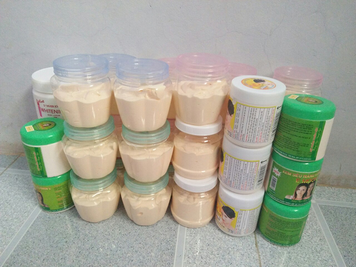 kem trộn chứa corticoid