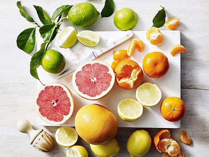 citric acid có rất nhiều trong các quả như cam, chanh,...