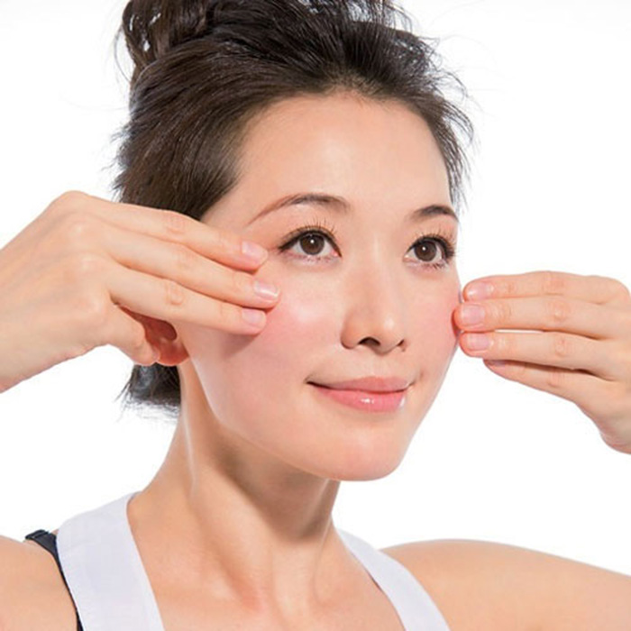 Massage mặt chống chảy xệ