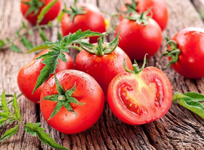 Thực hiện với cà chua