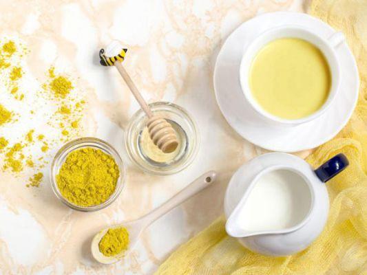 Mặt nạ nghệ kết hợp mật ong và sữa chua