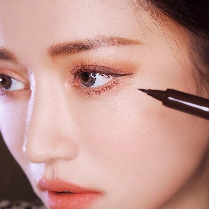 phối màu mắt Hàn Quốc